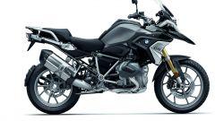 BMW R 1250 GS: cambiano il motore e l'estetica. Ecco quanto costa - Immagine: 23