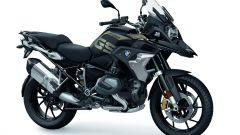 BMW R 1250 GS: cambiano il motore e l'estetica. Ecco quanto costa - Immagine: 30