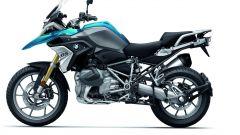 BMW R 1250 GS: cambiano il motore e l'estetica. Ecco quanto costa - Immagine: 31