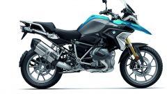 BMW R 1250 GS: cambiano il motore e l'estetica. Ecco quanto costa - Immagine: 32