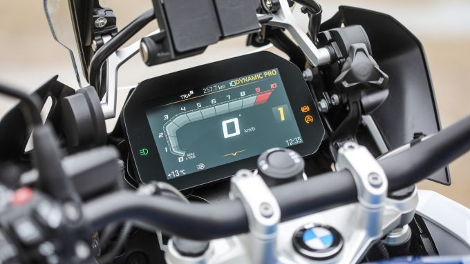 BMW R 1250 GS: il display BMW Motorrad Connectivity