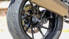 BMW R 1250 R 2019: il monobraccio lascia intravedere il cerchio