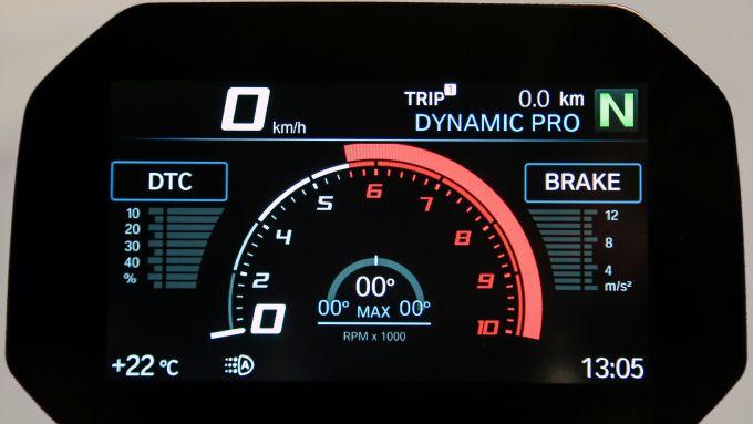 BMW R 1250 R: il display TFT