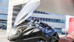 BMW R 1250 RT: parabrezza regolato al massimo