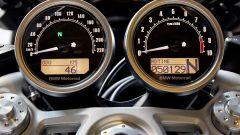 BMW R nineT Racer, la strumentazione