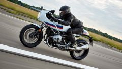 BMW R nineT Racer, look da sportiva anni Settanta