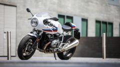 BMW R nineT Racer: vista 3/4 anteriore