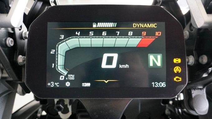 BMW R1200GS Connectivity: il nuovo dispay TFT da 6,5 pollici è sempre ben visibile