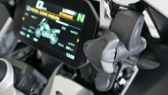 BMW R1200GS Connectivity: il pomello permette di regolare l'altezza del parabrezza