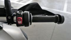 BMW R1200GS Connectivity: manopole riscaldate, riding mode e accensione sono a destra