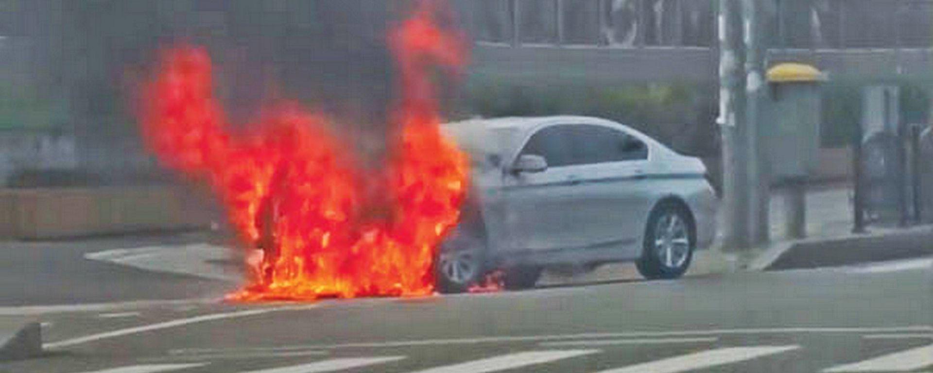 BMW maxi richiamo in Europa dopo 27 incendi in Corea del Sud