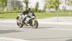 BMW S 1000 R 2018: un momento del test ride