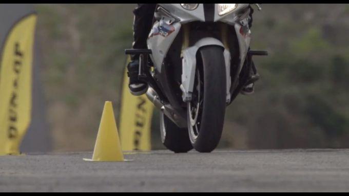 Immagine 12: BMW S1000RR in drift, il video