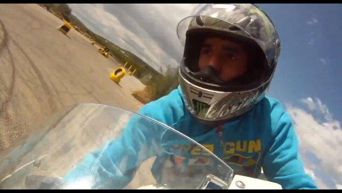 Immagine 11: BMW S1000RR in drift, il video