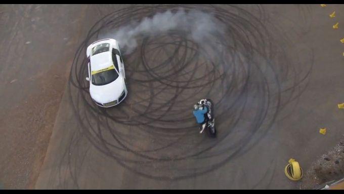 Immagine 15: BMW S1000RR in drift, il video