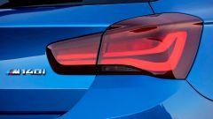 BMW Serie 1 MY 2017: fari posteriori bruniti