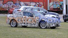BMW Serie 2 Coupé 2021, caratteristico il lunotto molto spiovente