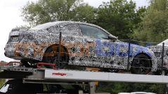 BMW Serie 2 Coupé 2021, freni colorati e gomme ribassate... che sia una versione M Sport?