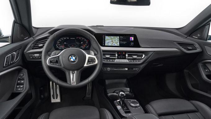 BMW Serie 2 Gran Coupé M235i: gli interni