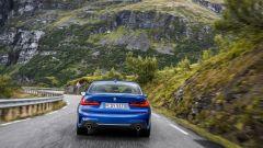 BMW Serie 3 2019 posteriore