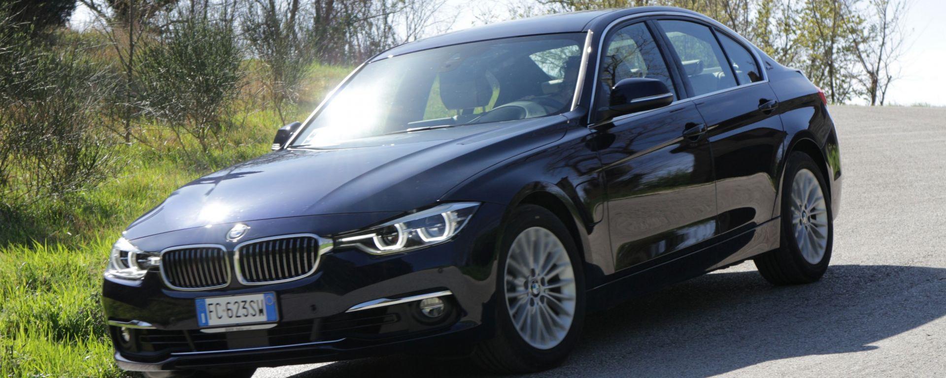 BMW Serie 3 330e: prova dell'ibrida plug-in