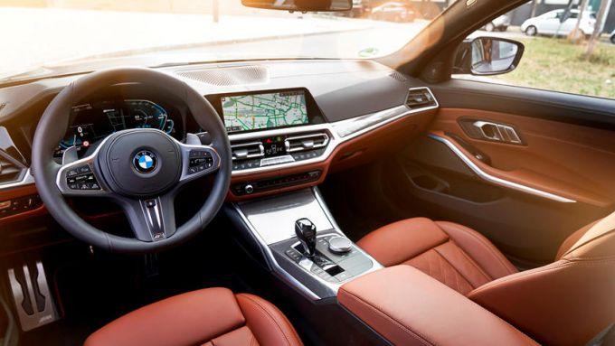 BMW Serie 3 PHEV, gli interni
