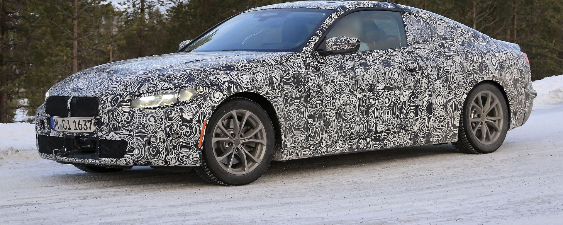 BMW Serie 4 Coupé: impegnata nei collaudi su strada
