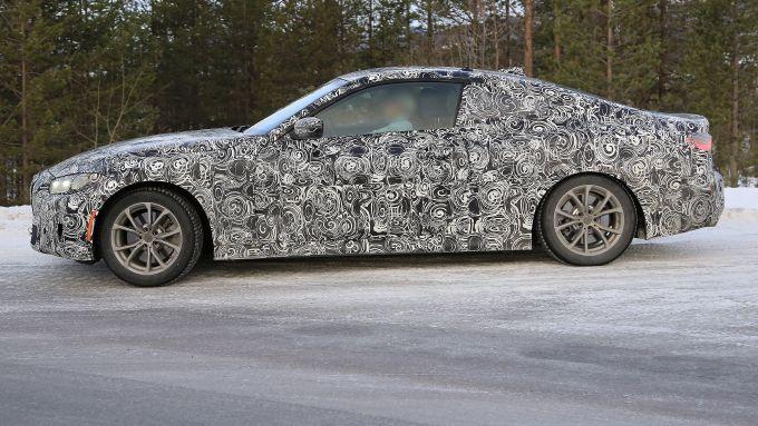 BMW Serie 4 Coupé: vista laterale