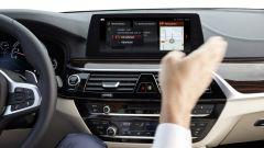 BMW Serie 5 2017: dalla Serie 7 arrivano i comandi gestuali per l'infotainment