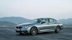 BMW Serie 5 2017: il trequarti anteriore