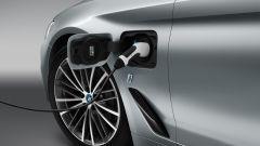 BMW Serie 5 2017: la versione plug-in arriverà successivamente al lancio