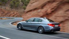 BMW Serie 5 2017: migliora l'agilità grazie all'asse posteriore sterzante