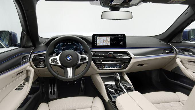 BMW Serie 5 2020 Sedan: interni più raffinati e lussuosi
