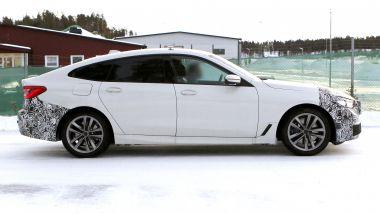 BMW Serie 6 GT 2020: di fianco cambia poco