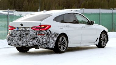BMW Serie 6 GT 2020: la coda con il lunotto inclinato in stile coupé