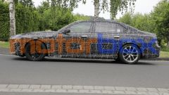 BMW Serie 7 2022: visuale laterale