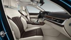 BMW Serie 7 Edition 40: dettaglio del sedile Smoke White Cohiba