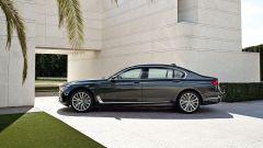 BMW Serie 7: quattro turbo per lei - Immagine: 2