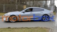 BMW Serie 8 2021: visuale laterale