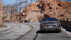 BMW Serie 8: la cabrio (quasi) senza veli. Debutto nel 2019 - Immagine: 19