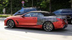 BMW Serie 8: la cabrio (quasi) senza veli. Debutto nel 2019 - Immagine: 7