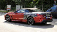 BMW Serie 8: la cabrio (quasi) senza veli. Debutto nel 2019 - Immagine: 9