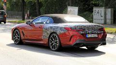 BMW Serie 8: la cabrio (quasi) senza veli. Debutto nel 2019 - Immagine: 10