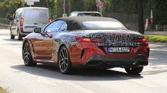 BMW Serie 8: la cabrio (quasi) senza veli. Debutto nel 2019 - Immagine: 11