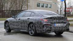 BMW Serie 8 Gran Coupe 2019: comincia lo strip - Immagine: 11
