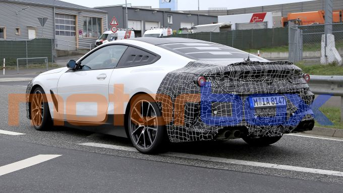 BMW Serie 8: il prototipo, vista di 3/4 posteriore