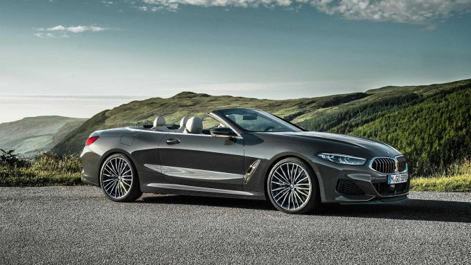BMW Serie 8 Cabrio: oltre 50 CV per la M850i