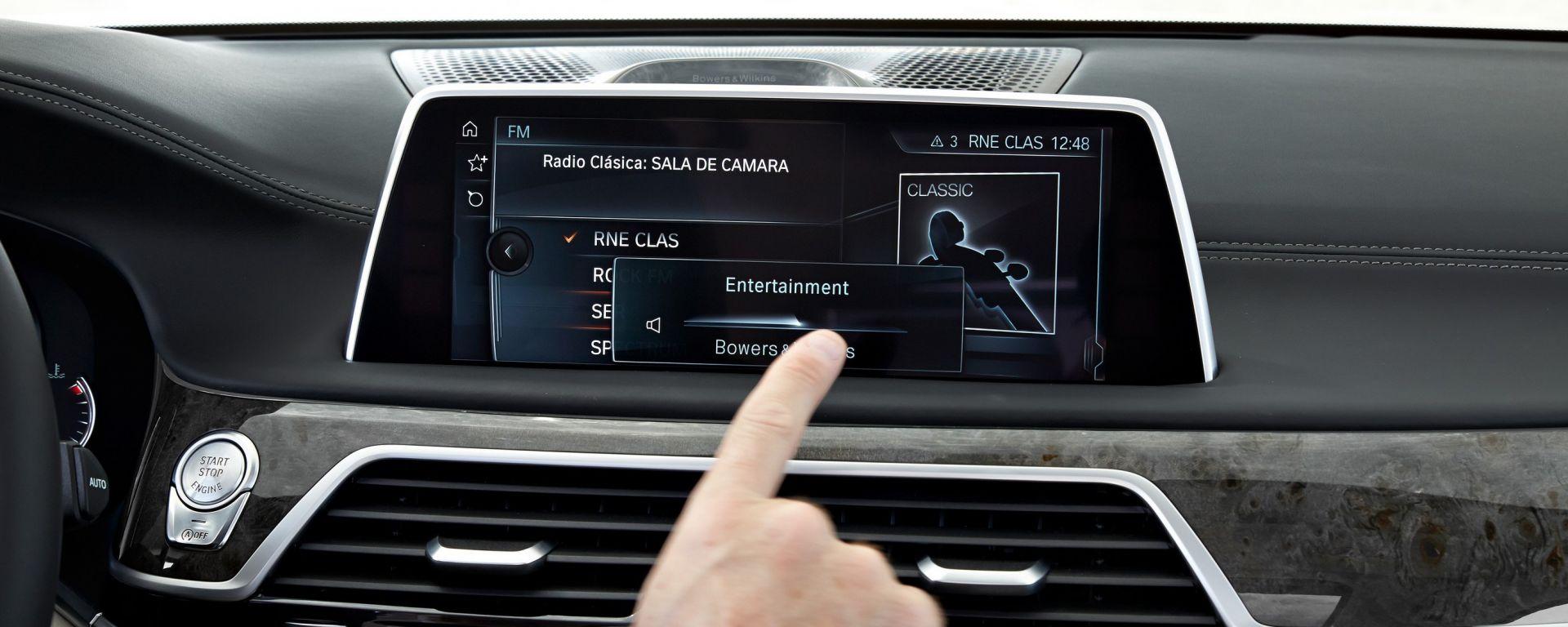 BMW: arriva il touch screen su X5 e X6
