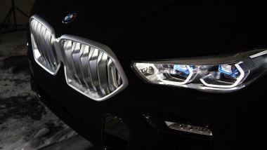 BMW VBX6: la griglia cromata sembra fluttuare