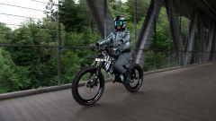 BMW Vision Amby, la bici-moto elettrica: motore, autonomia, peso